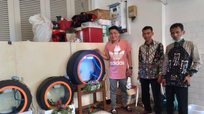 Jauh-jauh dari Klaten, 2 Pria Ini Datangi Rumah Raffi Ahmad, Beri Hadiah Akuarium dari Ban Bekas