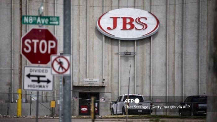 Pabrik Pemrosesan JBS tidak aktif setelah menghentikan operasinya pada 1 Juni 2021 di Greeley, Colorado. Fasilitas JBS di seluruh dunia terkena dampak serangan ransomware, yang memaksa banyak fasilitas mereka ditutup.