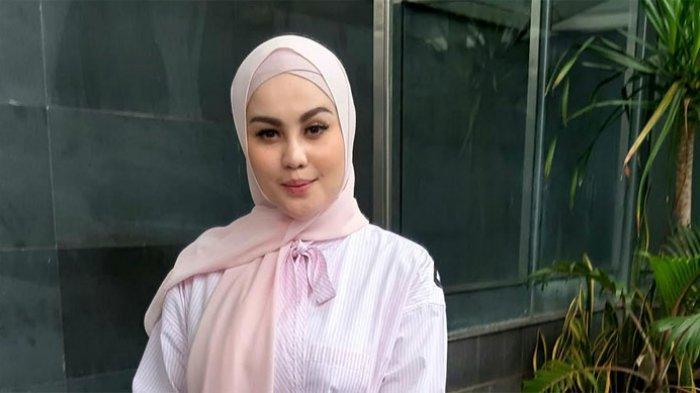 Jennifer Dunn (30) usai jadi saksi kasus Wawan di Pengadilan Negeri Jakarta Pusat, di Jalan Bungur Raya, Gunung Sahari, Jakarta Pusat, Kamis (12/3/2020) siang.