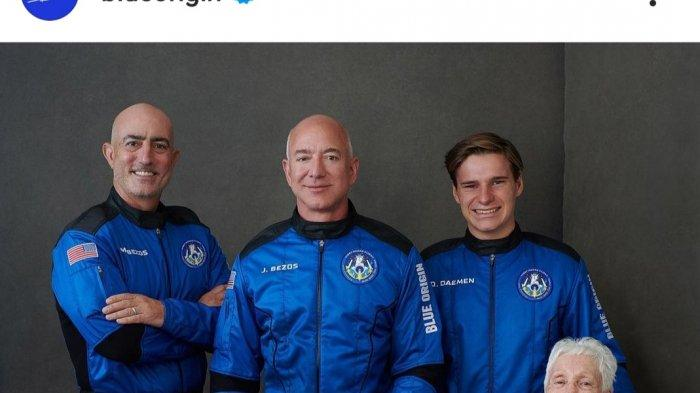 Jeff Bezos Mendarat di Gurun Texas Barat Usai Rasakan Sensasi Terbang Ke Luar Angkasa