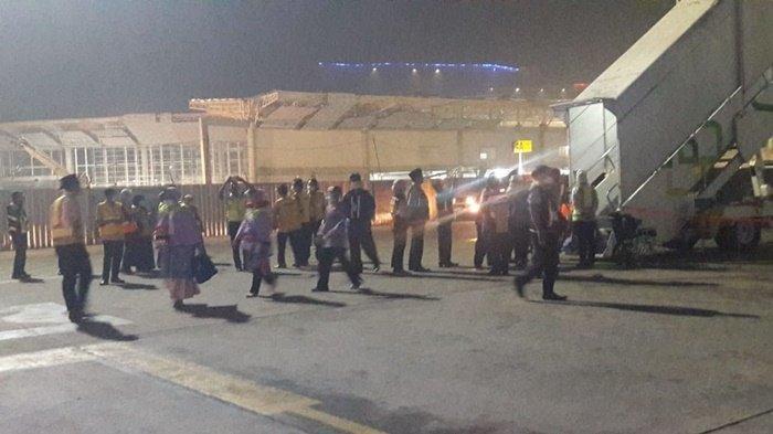 Jemaah Haji Kalteng Kloter 15 Embarkasi Banjarmasin mendarat di Bandara Syamsudin Noor Banjarmasin, Selasa (10/9/2019) dini hari.