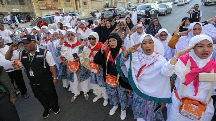 Jemaah Haji Menangis, Terharu Upacara HUT Kemerdekaan RI di Tanah Suci