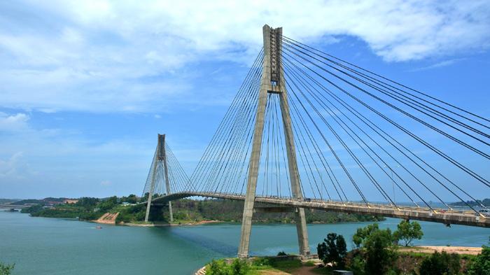 Belum ke Batam Jika Tak Berfoto Berlatar Barelang Bridge