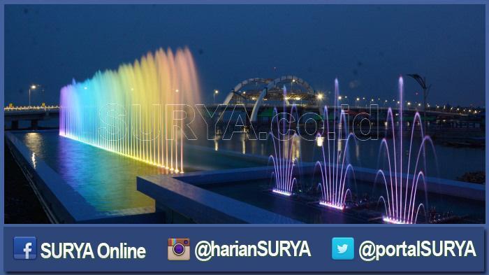Jembatan Air Mancur Warna-warni Ikon Surabaya Bakal Diresmikan 9 Juli