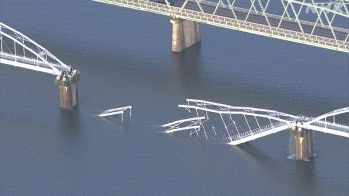 Jembatan Runtuh Pasokan Air Sekitar 60.000 Rumah Tangga Wakayama Jepang Terhenti