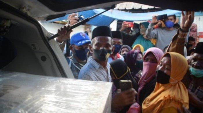 Isak Tangis Sambut Kedatangan Jenazah WNI Korban Penyaderaan Abu Sayyaf