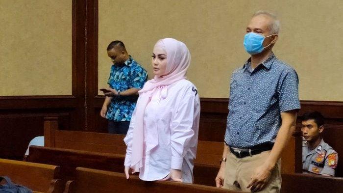 Jennifer Dunn hadir di Pengadilan Tindak Pidana Korupsi (Tipikor), Bungur, Jakarta Pusat, Kamis (12/3/2020). Jennifer Dunn akan memberikan kesaksian atas kasus Tindak Pidana Pencucian Uang (TPPU) yang melibatkan Tubagus Chaeri Wardana alias Wawan.
