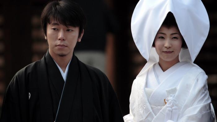 Jangan Ditiru, Orang Jepang Disarankan Bercinta Dulu Baru Menikah