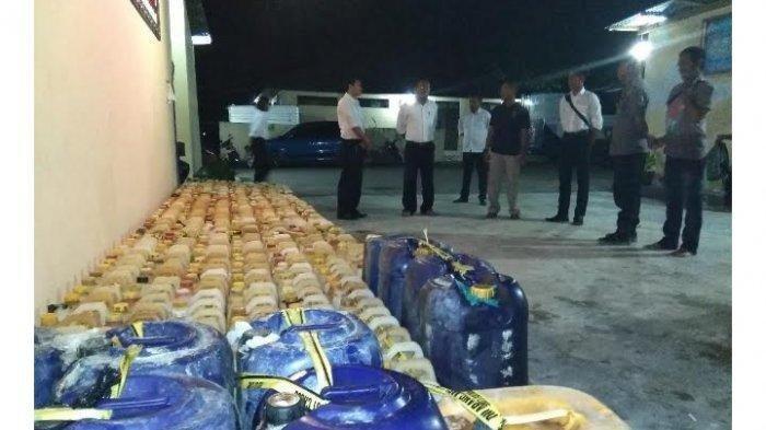 Polisi Sita Ratusan Jeriken BBM di Perbatasan RI-RDTL, 6 Pelaku Penyelundupan Ikut Diamankan