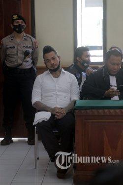 Jerinx SID Divonis 14 Bulan Penjara, Ini Pertimbangan Hakim dalam Membuat Keputusan