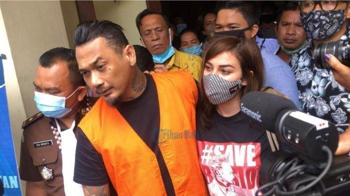 Bermesraan dengan Nora di Mobil Tahanan Viral, Respon Jerinx, Jaksa Dilema dan Sikap Kejati Bali