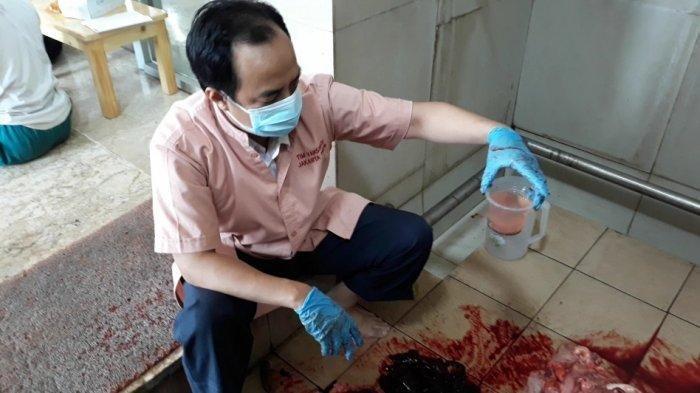 Mengandung Cacing, 22 Kilogram Jeroan dan 7 Kilogram Hati Sapi Dimusnahkan, Disiram Cairan Kimia