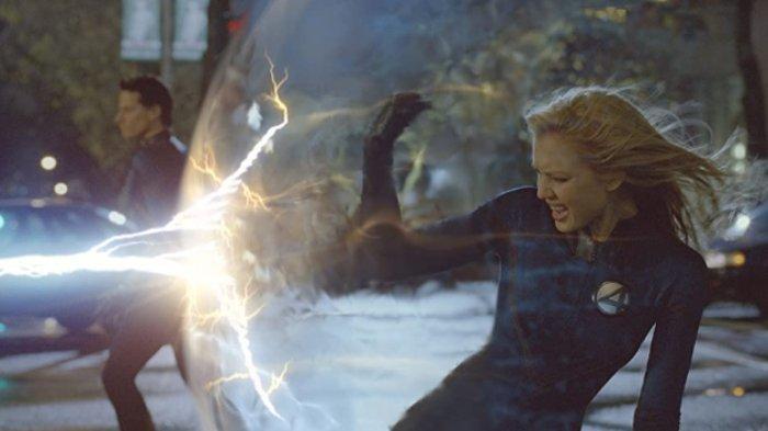 Jessica Alba dalam film Fantastic Four (2005)