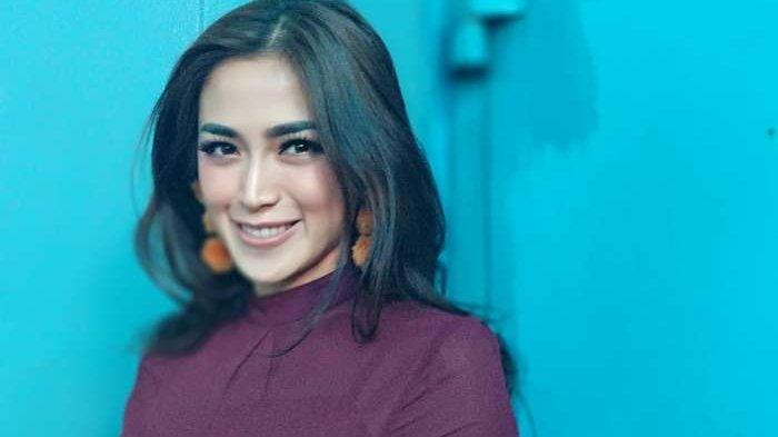 El Barack Tanya Keberadaan Ayahnya, Jantung Jessica Iskandar Kayak Mau Copot