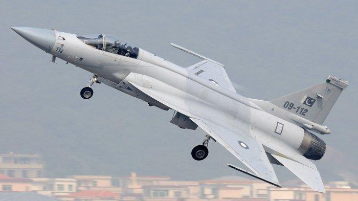 China Sukses Upgrade Jet Tempur J-17, Sekarang Gendong Rudal Paling Canggih