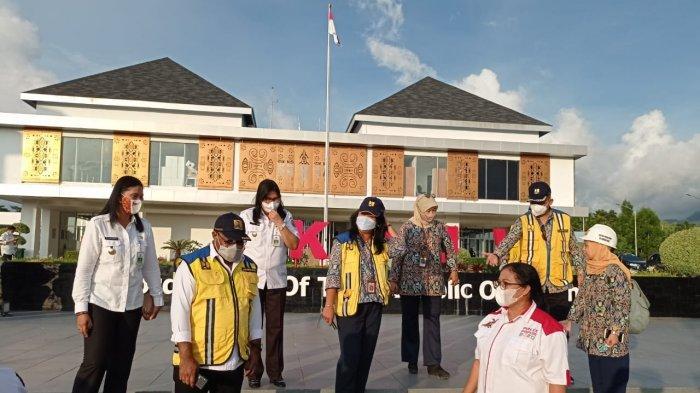 Wakil Menteri Pekerjaan Rumah dan Perumahan Rakyat (PUPR), Jhon Wempi Wetipo, mengunjungi Pos Lintas Batas Negara atau PLBN Skouw, Distrik Muaratami, Kota Jayapura, Papua.