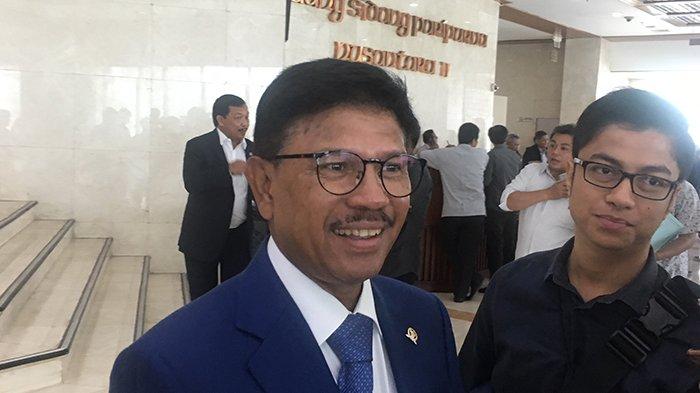 Sekretaris Jenderal (Sekjen) Partai Nasional Demokrat (Nasdem) Jhonny G Plate di Gedung DPR RI