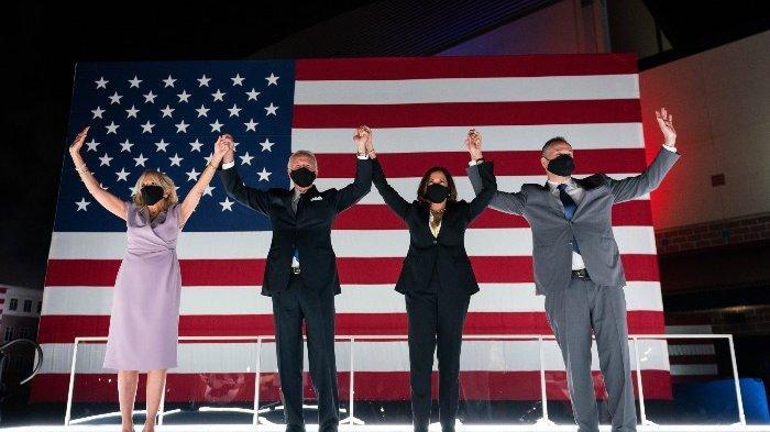 (Dalam gambar: Jill Biden-Joe Biden-Kamala Harris-Biden-Douglas Emhoff) Yakin Menang Pilpres Amerika Serikat karena Trump Mulai Mengancam untuk Ajukan Gugatan Hukum