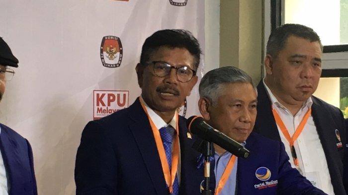 Sekjen Nasdem, Johny G Plate saat memimpin partainya mendaftarkan caleg di Kantor KPU RI, Jakarta Pusat, Senin (16/7/2018).