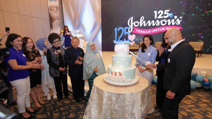 JOHNSON'S® Rayakan Ulang Tahun ke-125 dengan Peluncuran 125 Video 'Terbaik untuk Bayi'