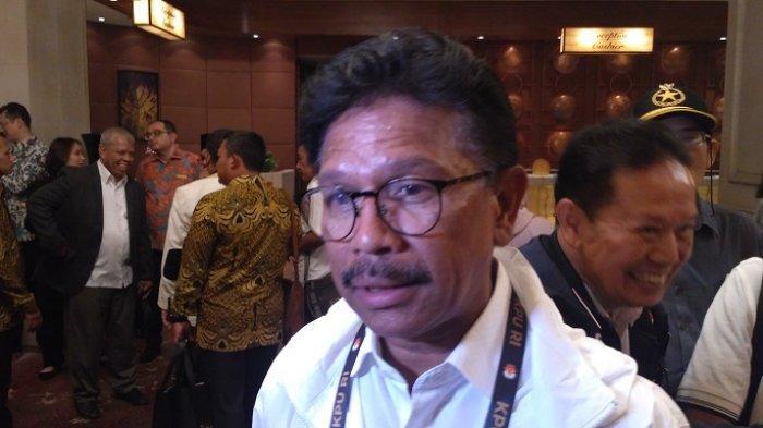 Anggota Komisi XI DPR RI Fraksi Partai Nasional Demokrat, Johnny G. Plate menanggapi Debat ke Empat Calon Presiden Pemilu 2019 di sebuah hotel, Jakarta Pusat, Minggu (30/3/2019)