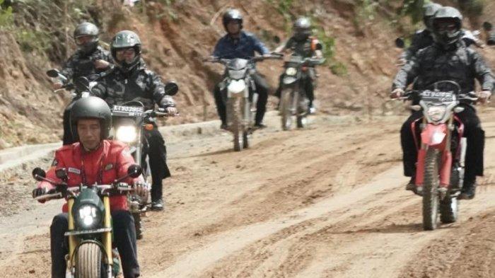 Gunakan Motor saat Jajal Jalur Trans-Kalimantan, Jokowi Alami Hal Ini hingga Hampir Jatuh di Lumpur