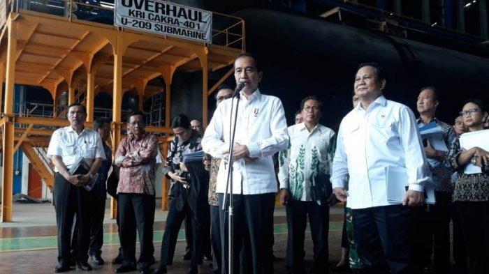 Presiden Joko Widodo (Jokowi) di Kantor PT PAL Indonesia, Surabaya, Jawa Timur, Senin (27/1/2020).