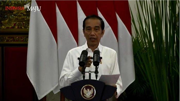 Presiden Joko Widodo (Jokowi) dalam peluncuran bantuan tunai se-Indonesia tahun 2021, di Istana Negara, Senin (4/1/2021).