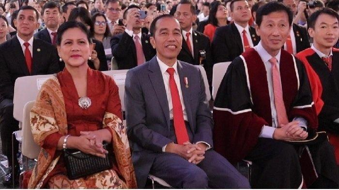 Jokowi dan Iriana Jokowi hadiri wisuda Kaesang