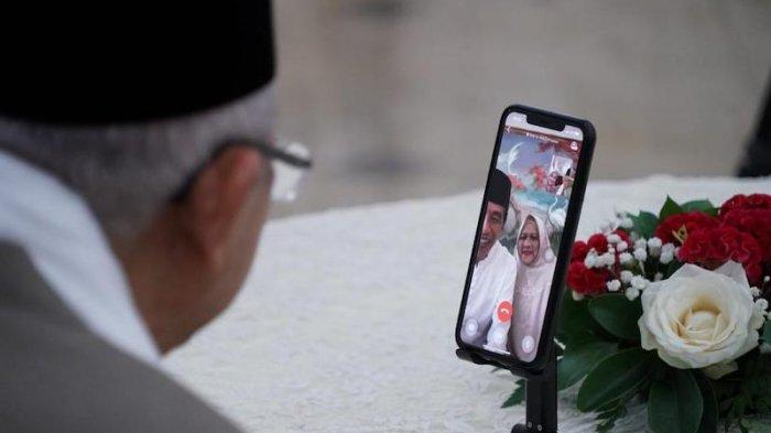 Presiden Jokowi dan Ibu Negara: ''Pak Wapres dan Bu Wury Selamat Idul Fitri''