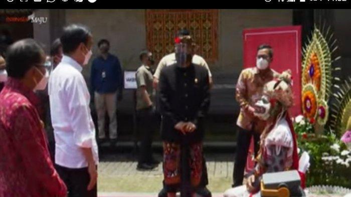 Didampingi Gubernur Bali, Presiden Tinjau Vaksinasi Massal bagi Pekerja Pariwisata dan Budayawan
