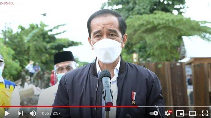 Tinjau Lokasi Banjir di Provinsi Kalimantan Selatan, Jokowi Berikan Bantuan Kepada Korban
