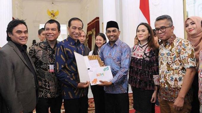 Presiden Joko Widodo turut mengungkapkan duka cita atas meninggalnya musisi Glenn Fredly.