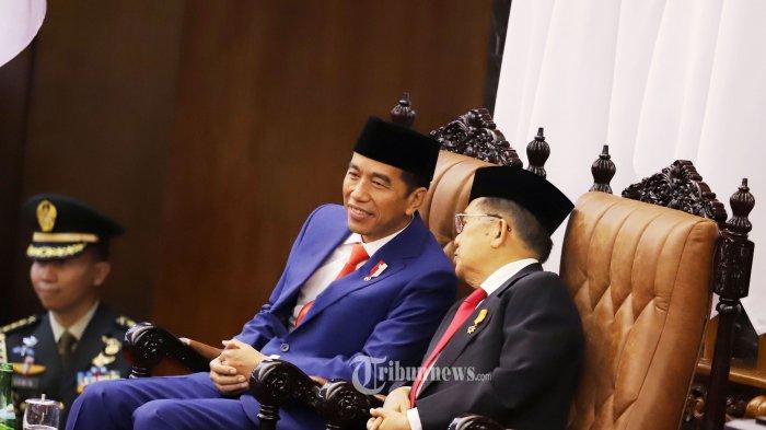 Presiden Joko Widodo bersama Wakil Presiden Jusuf Kalla saat menghadiri acara Sidang Tahunan MPR tahun 2019 di Kompleks Parlemen, Senayan, Jakarta Pusat, Jumat (16/8/2019). Sidang tersebut beragendakan penyampaian pidato kenegaraan Presiden Joko Widodo. Tribunnews/Jeprima
