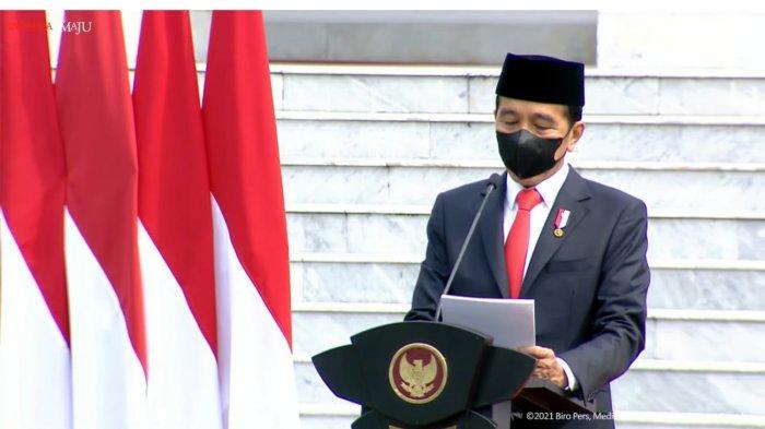 Presiden Joko Widodo (Jokowi) memimpin upacara peringatan HUT Ke-76 TNI di Halaman Istana Merdeka, Jakarta, Selasa (5/10/2021).