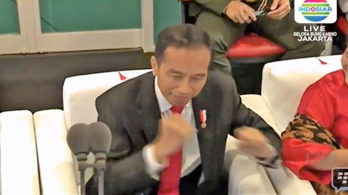 Jokowi Goyang Dayung Saat Via Vallen Lantunkan Lagu Meraih Bintang
