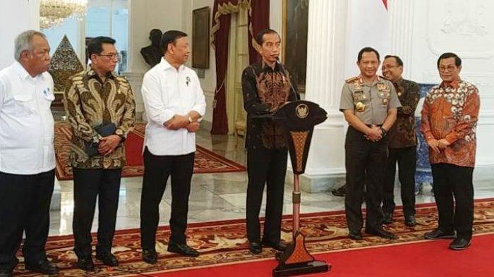 Jokowi Tingkatkan Kualitas Guru