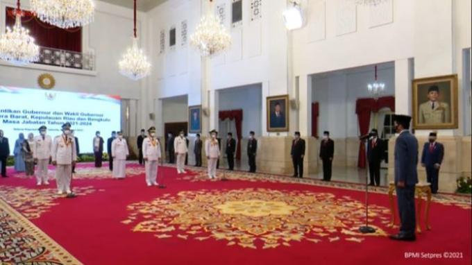 Presiden Jokowi Lantik Mahyeldi Ansharullah-Audy Joinaldy Jadi Gubernur-Wakil Gubernur Sumbar
