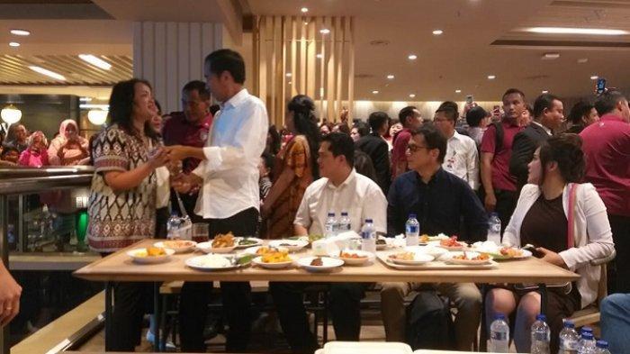 Jokowi Makan Siang di Grand Indonesia, Menunya Mulai dari Rendang Hingga Daun Singkong