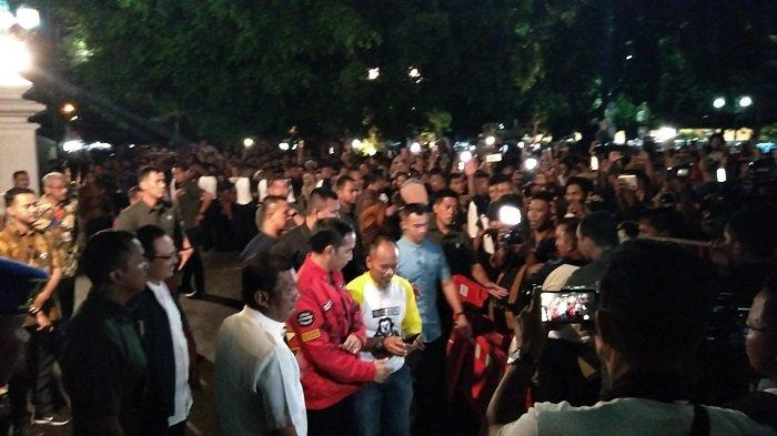 Jokowi Bersama Warga Saksikan Pesta Kembang Api Sambut 2020 di Malioboro