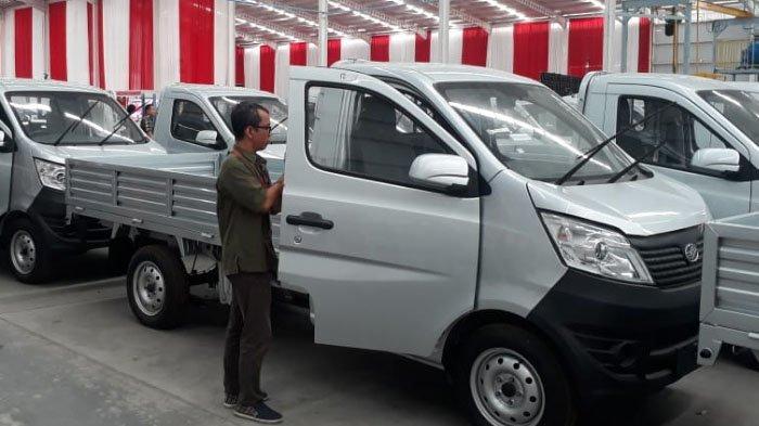Harga Mobil Esemka Bima Yang Diresmikan Jokowi Hari Ini Ini Perbandingan Dengan Daihatsu Gran Max Tribunnews Com Mobile