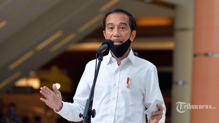 Presiden Joko Widodo memberikan keterangan pers seusai meninjau salah satu pusat perbelanjaan, di Bekasi, Jawa Barat, Selasa (26/5/2020). Presiden Jokowi meninjau persiapan prosedur pengoperasian mal yang berada di wilayah zona hijau wabah COVID-19. TRIBUNNEWS/REPUBLIKA/Edwin Dwi Putranto/Pool