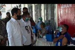 Jokowi tinjau vaksin jogya 1