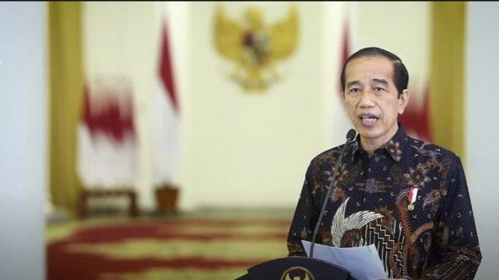Jokowi umumkan PPKM level 4 diperpnajang hingga 9 agustus 2021.