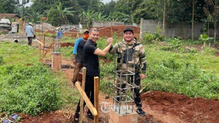 Di atas lahan sekitar 2000 m2, Jonie Yap dan Koko Kriuk membangun pabrik skincare.