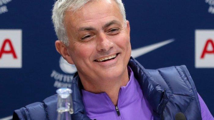 Jose Mourinho Resmi Jadi Pelatih Tottenham
