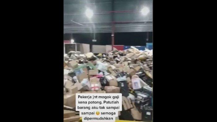 Diduga Sakit Hati Gaji Dipotong, Karyawan J&T Express Malaysia Ubrak-abrik Paket