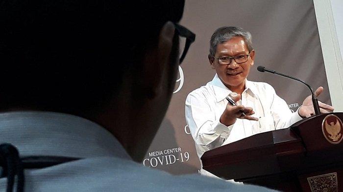 Juru bicara (jubir) pemerintah untuk penanganan virus corona (Covid-19) Achmad Yurianto di Kantor Presiden, Kompleks Istana Negara, Jakarta, Jumat (6/3/2020)