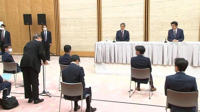 Jumpa pers dengan Perdana Menteri Jepang, Kamis (14/5/2020) malam.