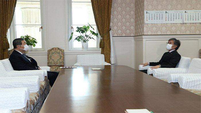 Terima Jamuan Makan Senilai Rp 9,3 Juta, Kepala Sekretaris PM Jepang Didesak Mundur